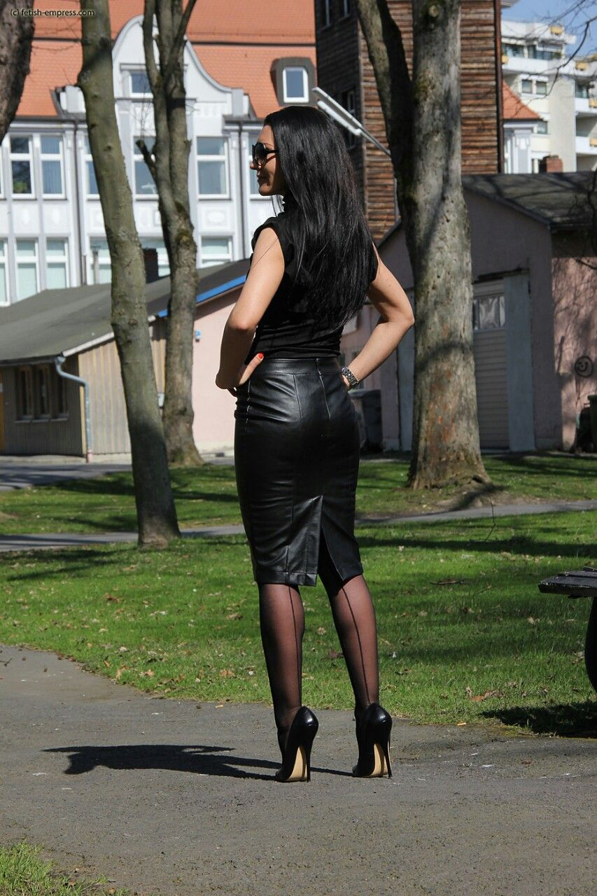 sexy fucking machines miniskirt Domina