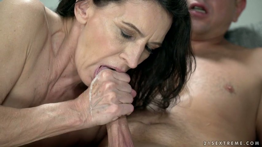 Grannies brunette pawgs students