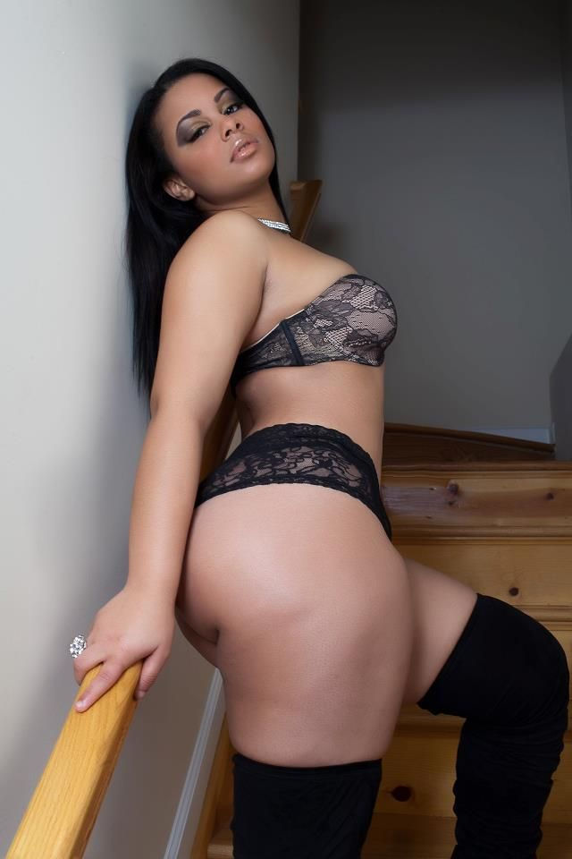 chubby makeout Curvy sexy