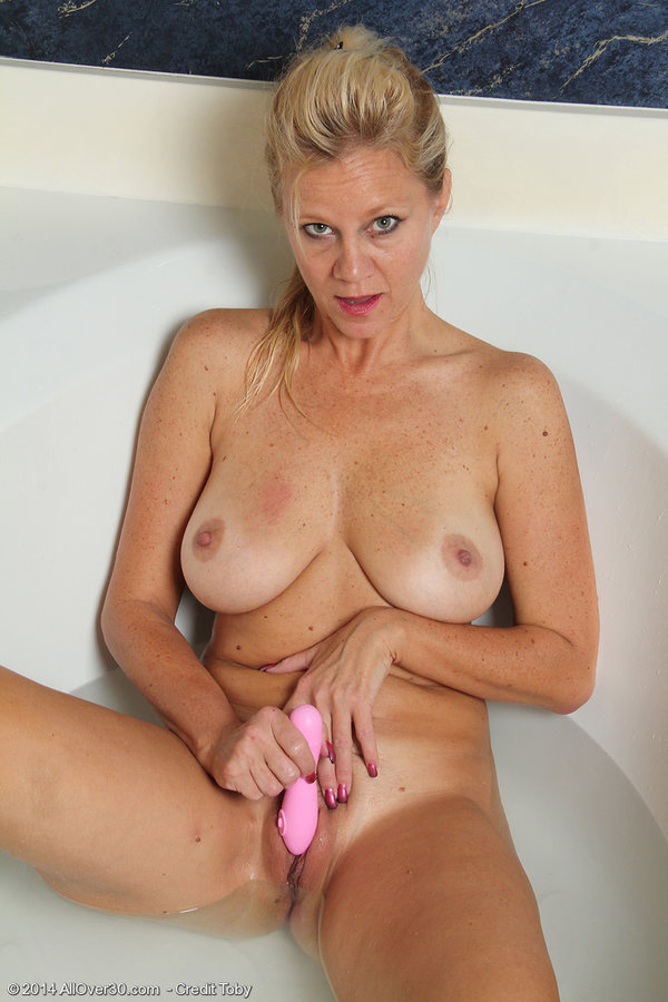 porn video HD Pinupfiles tinder pussy eating first time
